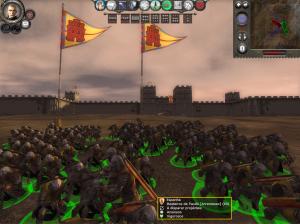 Reparem que os escudos ficam voltados para a cidade sob cerco  enquanto recarregam as bestas (eles atacavam unidades sobre as muralhas)